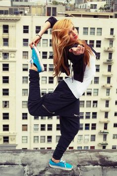 love chachi :) <3 the only reason why i want chachimomma pants and vans lol