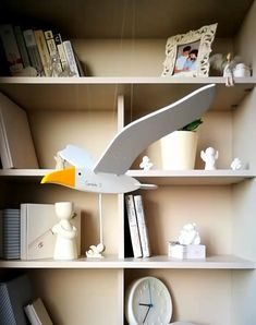 *Hypnotic flying birds with heart and soul* by WorkshopUNDERtheWING Wooden Projects, Woodworking Projects Diy, Wooden Crafts, Woodworking Toys, Diy Projects, Handmade Wooden Toys, Handcrafted Gifts, Diy Crafts Hacks, Wood Toys