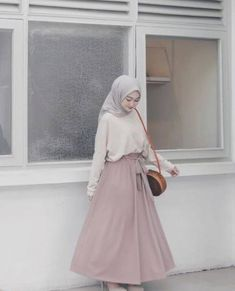 Fashion Hijab Casual Dresses Muslim 59 New Ideas Source by Source by FashionTipsAndAdvice ideas muslim Hijab Casual, Hijab Chic, Hijab Elegante, Ootd Hijab, Modern Hijab Fashion, Street Hijab Fashion, Hijab Fashion Inspiration, Muslim Fashion, Skirt Fashion