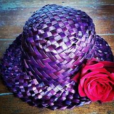 Meremade Flax hats are sun safe. Protect your head neck ears and face under a… Flax Weaving, Weaving Art, Basket Weaving, Maori Designs, Tambour Embroidery, Head And Neck, Summer Hats, Handmade Rugs, Diy And Crafts