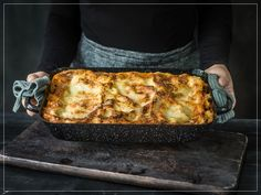 Try Lasagne al forno by FOOBY now. Or discover other delicious recipes from our category main dish. Parmesan, Al Forno Recipe, Bechamel Sauce, Vegetable Puree, Food Trends, Original Recipe, Lasagna, New Recipes, Gratin