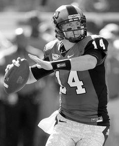 i have a crush on the Bengals quarterback ahahaha