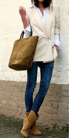 brown ankle boots with jeans
