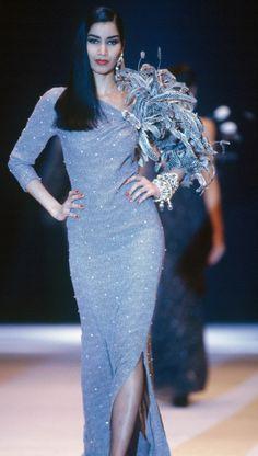 Fondazione Gianfranco Ferré / Collezioni / Donna / Prêt-à-Porter / 1991 / Autunno / Inverno model: the famous Gurmit Kaur