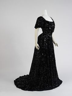 Ball gown.  1898. By Lager et Derivery, Paris.