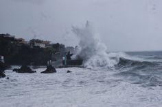 PORTO DA CALHETA: Mar Bravo na Costa Norte