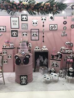 Panda Themed Party, Panda Birthday Party, Panda Party, First Birthday Parties, First Birthdays, Panda Baby Showers, Black And White Theme, Alice, Diy Party