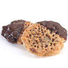 Passover Lace Cookies www.themodernjewishwedding.com