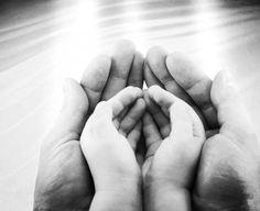 'Sprich: «O Meine Diener, die ihr euch gegen eure eignen Seelen vergangen habt, verzweifelt nicht an Allahs Barmherzigkeit, denn Allah vergibt alle Sünden; Er ist der Allverzeihende, der Barmherzige. Kehrt euch zu eurem Herrn, und ergebt euch Ihm, bevor die Strafe über euch kommt; (denn) dann werdet ihr keine Hilfe finden.'  [39:53-54]