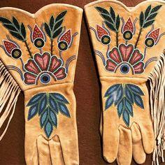 Native Beadwork, Native American Beadwork, Loom Beading, Beading Patterns, Beaded Moccasins, Native American Clothing, Beaded Banners, Beadwork Designs, Indian Crafts