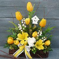 Yellow Flower Arrangements, Beautiful Flower Arrangements, Spring Home Decor, Spring Crafts, Easter Flowers, Deco Floral, Flower Boxes, Flower Crafts, Easter Crafts