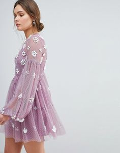 Browse online for the newest ASOS Floral Cluster Embellished Balloon Sleeve Mini Dress styles. Shop easier with ASOS' multiple payments and return options (Ts&Cs apply). Summer Fashion Outfits, Fall Outfits, Fashion Dresses, Fashion Fashion, Fashion Online, Fashion Ideas, Looks Chic, Looks Style, Asos