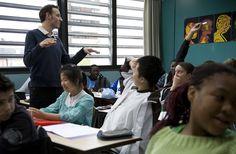 Del arte de perder el tiempo en la escuela. Poesía y refugiados, por ejemplo, por Rafael Falcón Lahera   FronteraD (Fotograma de la película 'La clase', de Laurent Cantet)