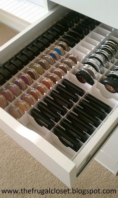 The IKEA Alex Storage - Great for when you have a ton of makeup but would work awesome for crafting embellies.I am buying one of the IKEA ALEX drawer units - wonder if they sell the organization insert too Rangement Makeup, Diy Makeup Storage, Makeup Vanity Organization, Ikea Makeup Vanity, Diy Makeup Cabinet, Diy Makeup Drawer Dividers, Diy Makeup Organizer, Makeup Holder, Shoe Organizer