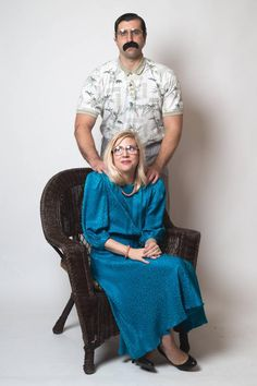 hilarious couple turns engagement photos into uncomfortable poses 14 photos 12 Hilarious couple turns engagement photos into uncomfortable poses [14 photos]