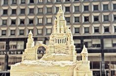 new york sandsculptor matt long is giving city slickers a slice of the beach. an intricately crafted 5.5 meter (18ft) sand tower in downtown manhattan's financial district