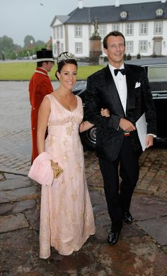 Princess Marie of Denmark and Prince Joachim of Denmark attend Prince Henrik of Denmark s birthday dinner at Fredensborg Castle on June 11 2009 in Fredensborg Denmark Photo by Torsten Laursen Getty Images Princess Dress Up, Crown Princess Mary, Prince And Princess, Pink Princess, Princesa Real, Princesa Mary, Gala Gowns, Denmark Fashion, Royals