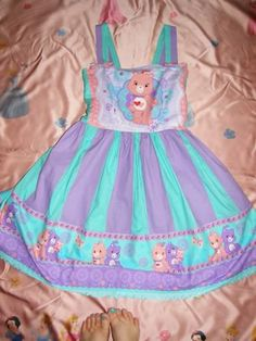 Ungodly cute dress! And comes with a tutorial.