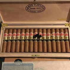 Premium Cigars, Cigar Room, Pipes And Cigars, Cuban Cigars, Whisky, Trays, Paradise, Alcohol, Coffee