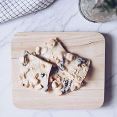 maria eugênia (@blueberryfinds) • Instagram photos and videos Vegan Lifestyle, Plant Based Diet, Bread, Videos, Photos, Instagram, Food, Pictures, Photographs
