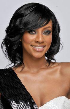 Oooooh I want this hairstyle  medium wavy black  Makeup Hair black hairstyles | hairstyles