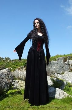 Lady Elwyn Bathory Gown by Moonmaiden Gothic Clothing UK