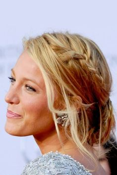Homecoming Hairstyles for Long Hair - Blake Lively's Braided Updo not sure if I love this because it's Blake Lively or because the hair is perfect. New Bridal Hairstyle, Prom Hairstyles For Short Hair, Homecoming Hairstyles, Formal Hairstyles, Pretty Hairstyles, Braided Hairstyles, Wedding Hairstyles, Braided Updo, Bun Updo