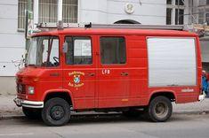 Ein weiterer betagter MB 508 D Feuerwehrtransporter (ehemals Stadtfeuerwehr Ried/Innkreis), jetzt in Privatbesitzin Berlin, 04.04.13 Berlin-Steglitz.