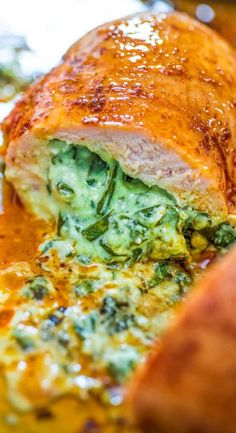 SAVING FOR THE SPINACH STUFFING. This is the easiest and the tastiest Spinach Stuffed Chicken Breast recipe. The spinach stuffing is so creamy and smooth that you'll become addicted to it. I warned you. Easy Chilli Chicken Recipe, Best Chicken Recipes, Health Chicken Recipes, Spinach Stuffed Chicken, Baked Chicken, Stuffed Chicken Breasts, Healthy Stuffed Chicken Breast, Crusted Chicken, Bbq Chicken