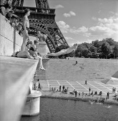 Robert Doisneau (1945): Pont d'Iéna, Paris