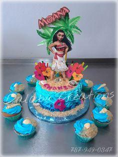 Moana Cake with Cupcakes Moana Themed Party, Moana Birthday Party, Disney Princess Birthday, Moana Party, 4th Birthday Parties, Birthday Ideas, Bithday Cake, 3rd Birthday Cakes, Moana Cupcake