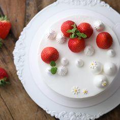 주말이니까 ~  _ #딸기케이크 #베이킹 #baking #딸기케익 #strawberrycake #베이킹클래스 #bakingclass #베이킹스튜디오 #bakingstudio #대구베이킹클래스 #나카무라아카데미 #nakamuraacademy