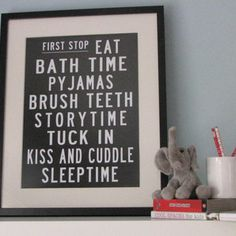 Remember to have schedules like this in my kid's bedrooms sometime! They can look at it, It'll be funky  and cute, and have that kiss on it <3