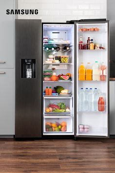 Take a look inside the an American-style fridge freezer for the design conscious. Kitchen On A Budget, New Kitchen, Kitchen Decor, Kitchen Design, Kitchen Ideas, Kitchen Images, Kitchen Trends, Kitchen Chairs, American Fridge Freezers