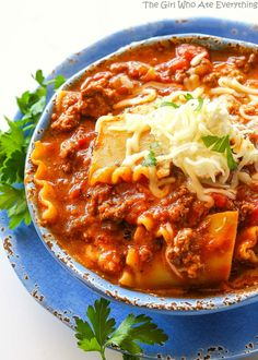 This Lasagna Soup is one of my favorite soups! Imagine a soup with beef, garlic, onion, and tomato sauce with tender lasagna noodles throughout. The cheese topping is what makes it taste exactly like lasagna. Stir it in for lasagna in a bowl! Not to mention it's all done in one pot! 322 calories per …