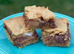 Peanut Butter Cup S'Mores Bars from...would you ever guess the Loopy Ewe!!!  See knitting and food really do go together.