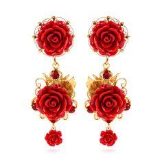 Dolce & Gabbana - Boucles d'oreilles clips à fleurs et cristaux - Entrez dans le monde romanesque de la maison Dolce & Gabbana en adoptant ces sublimes boucles d'oreilles dorées. Décorées de roses et de petits cristaux rouges carmin, elles apporteront un soupçon de charme et de passion à votre allure. seen @ www.mytheresa.com