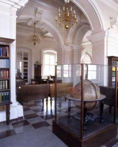 Confluenţe Literare : Luaţi! Luaţi! Oversized Mirror, Places To Visit, Furniture, Home Decor, Decoration Home, Room Decor, Home Furnishings, Home Interior Design, Home Decoration