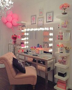 """10 mil Me gusta, 152 comentarios - Impressions Vanity Co. (@impressionsvanity) en Instagram: """"Who else wouldn't mind coming home to this! 😃💗 #vanitygoals ⠀ 📷 @miss_aliicee featuring our…"""""""
