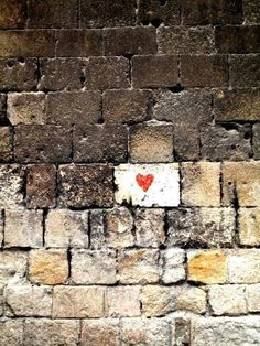 love is in the air - Street art I Love Heart, With All My Heart, Your Heart, Heart Art, All You Need Is Love, Be My Valentine, Valentine Ideas, Public Art, Belle Photo