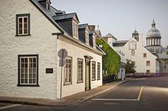 Rue des Ursulines - Quartier historique de Trois-Rivières Crédit photo : Étienne Boisvert #troisrivieres #mauricie #quebec