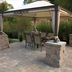HomeAdvisor's Paver Patio Cost Guide gives average paver costs per square foot or pallet for installing backyard patios, walkways and decks. Compare brick, concrete, natural stone and clay paver prices. Calculate the cost to lay a brick patio by size. Paver Patio Cost, Brick Paver Patio, Backyard Patio, Backyard Landscaping, Driveway Pavers, Deck Over Concrete, Concrete Pavers, Limestone Pavers, Plugs