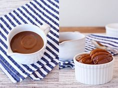 How to make caramel sauce CARAMEL SAUCE 1 cups coconut milk fat cup sucanat Vegan Treats, Vegan Desserts, Just Desserts, Sweet Recipes, Real Food Recipes, Dessert Recipes, Coconut Milk Fat, Coconut Cream, Almond Milk