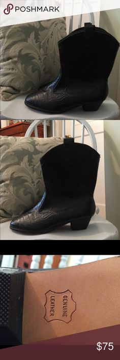 BLACK LEATHER COWBOY BOOTS - PERFECT GIFT🎁 BEAUTIFUL BLACK REAL LEATHER COWBOY BOOTS. NEVER WORN! YOU CAN TELL BY THE BOTTOMS, ORDERED ON THE INTERNET BUT NEVER EVEN WALKED IN THEM! JUST TRIED ON. I WANT A FLATTER HEAL, SO I AM SELLING THEM. GORGEOUS PATTERN TOO! ABSOLUTELY GORGEOUS & STILL HAVE THAT LEATHER SMELL!  THREW AWAY BOX, HENCE, NWOB ! LOOK ST BITTOM OF BOOTS IN PHOTOS, NEVER EVEN WALKED IN THEM! TOO BIG FOR ME BUT I NEVER DID A RETURN. (I AM A 7.5.) WOULD MAKE A GREAT GIFT…