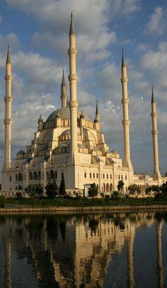 Sabancı Central Mosque in Adana, Turkey | Flickr - Photo by blauepics