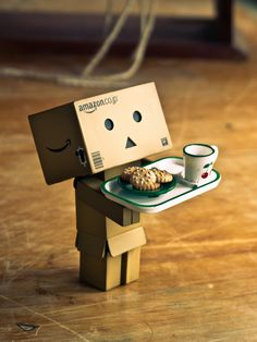 Danbo - Not going outside today Danbo, Box Robot, Basson, Amazon Box, Cute Box, Thinking Outside The Box, Little Boxes, Love Images, Toys Photography