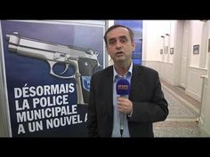 """""""Cette affiche est rassurante"""", estime Robert Ménard, maire de Béziers"""