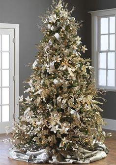 Temática de árbol de navidad con colores champaña. #DecoracionNavidad