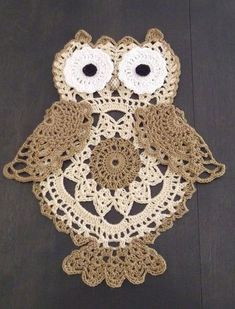 This listing is for a pdf crochet pattern to make this wise owl doily or window hanging pictured, not the finished items. These can be stiffened to be used as Wall hangings or lightly blocked and used a doilies. Skill level: Intermediate This is a clearly Owl Crochet Patterns, Crochet Owls, Owl Patterns, Crochet Home, Crochet Animals, Crochet Crafts, Crochet Projects, Crochet Owl Applique, Filet Crochet
