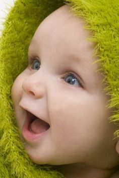 Irish Baby Names 10 Best Girls and Boys Irish Baby Names Cute Little Baby, Baby Kind, Little Babies, Baby Love, Cute Babies, Cute Baby Boy Photos, Cute Kids Pics, Baby Boy Pictures, Precious Children